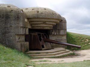 Duitse bunker en kanon bij Longues