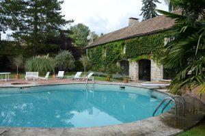 Zwembad en molen