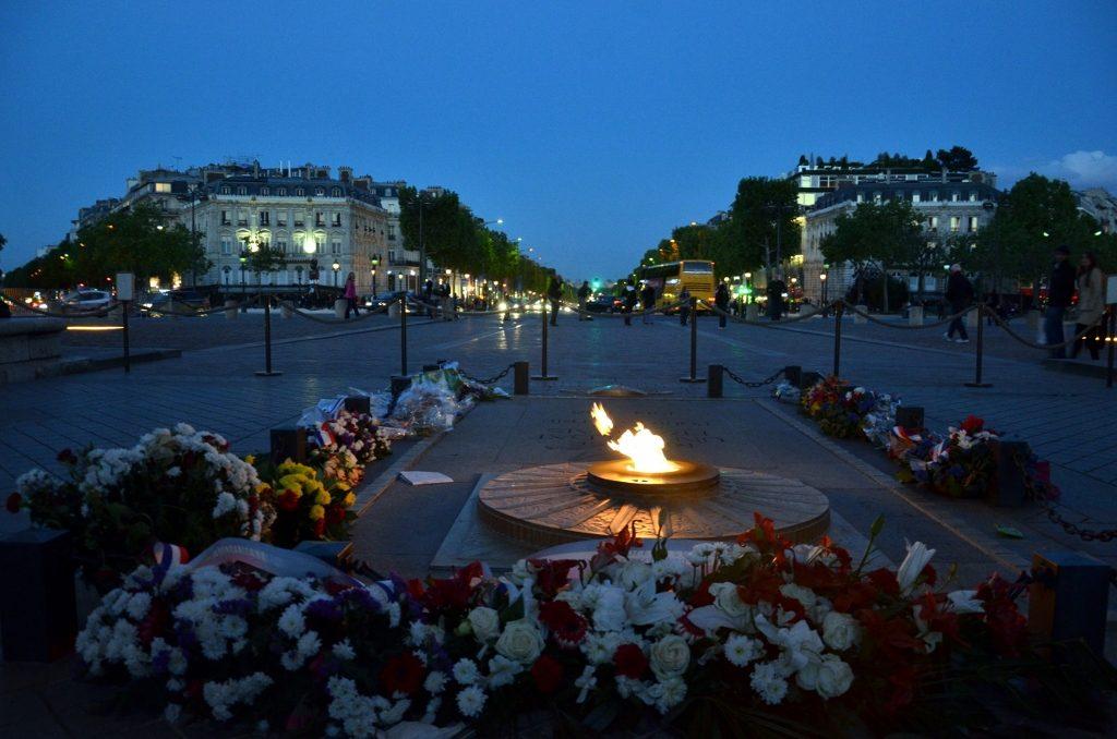 Eeuwige vlam en Champs-Elysées
